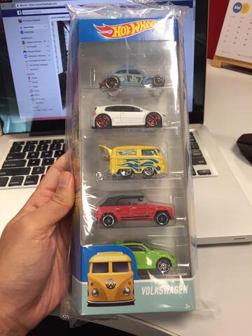 Hotwheels Gift Pack Volkswagen VW Beetle Koombie Safari Custom