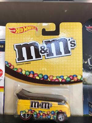 Hotwheels Drag Bus M&M's