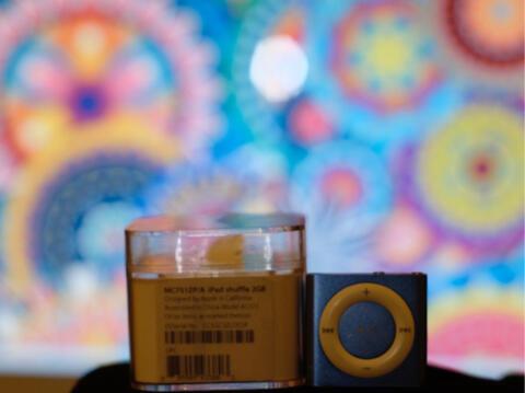 iPod shuffle 4th gen 2GB Blue