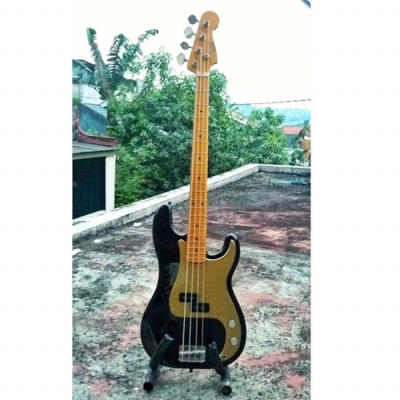 FENDER PRECISION BASS MADE IN JAPAN 1993