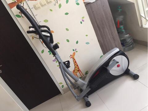 Alat Fitnes Cross Trainer B-Fit
