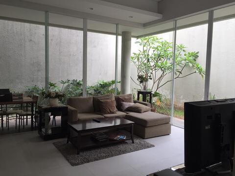 rumah modern di jl.cikajang