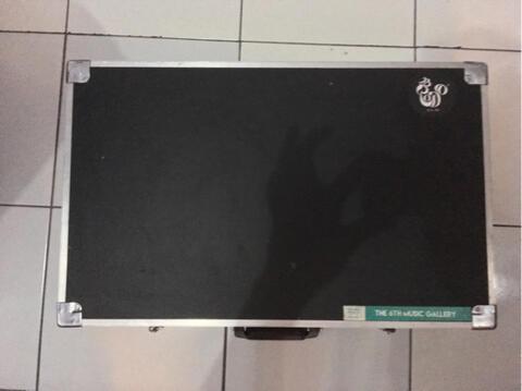 Hardcase Pedalboard Efek Gitar
