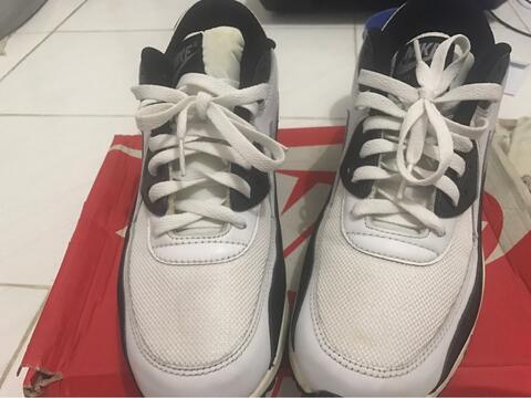 Terjual nike air max 90 essential white black surabaya  786487a361