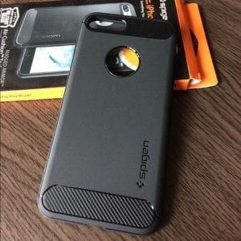 Spigen Rugged Armor iPhone 7 (bisa juga iPhone 6 & 8)