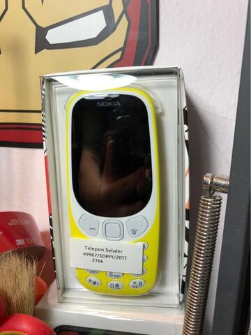 Nokia 3310 reborn yellow