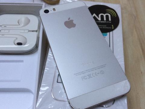Terjual iPhone 5s 16GB ex ibox mantap gan  681730d0b8
