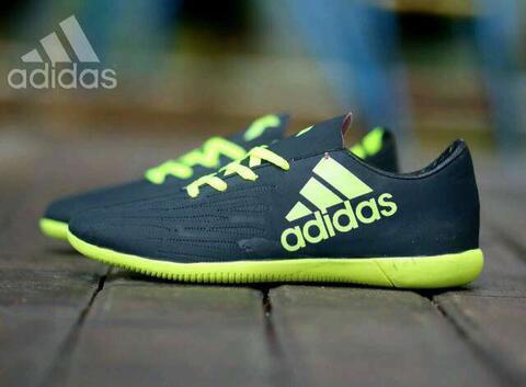Sepatu Adidas Futsal For Man Size 39-43 Barang Berkualitas