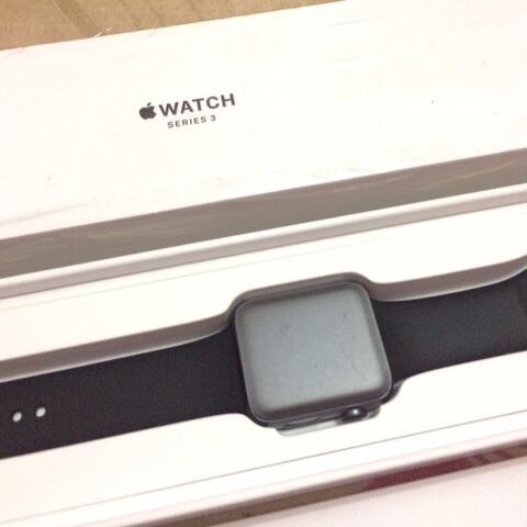 apple watch series 3 (gps) 42mm black