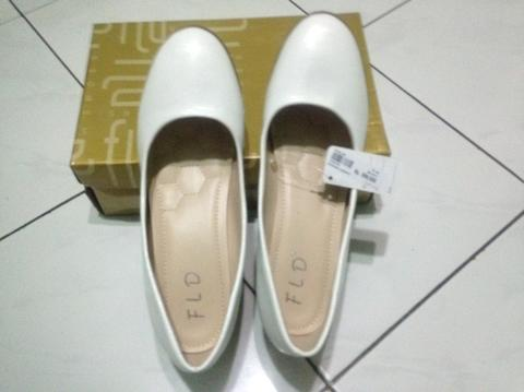 Terjual Sepatu fladeo wanita  5ba6457860