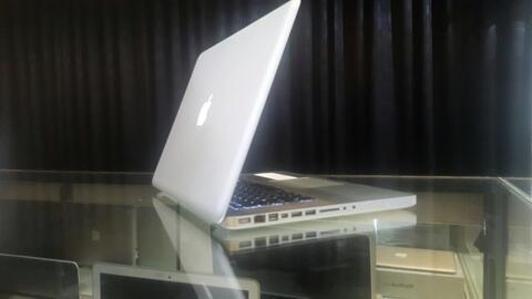 Macbook Pro 15inch Core2Duo Ram4 Hdd250 Keren Mulus Muraaah