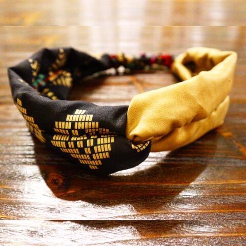 bandana tenun gold