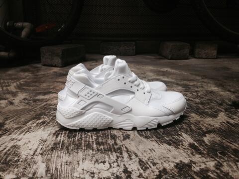 ORIGINAL Nike Huarache GS Triple White size 37.5 muraahhh...
