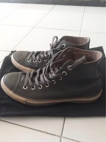 Converse Chuck Taylor Leather Gray Hi-Top