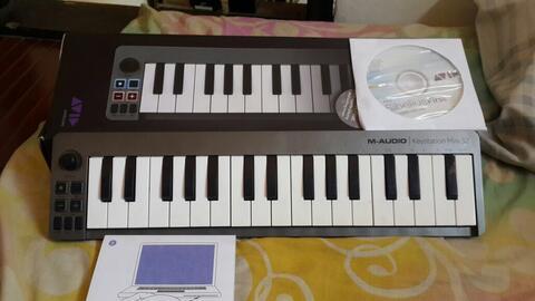 jual soundcard steinbergh CI2+ dan keyboard controller m-audio keystation mini mulus