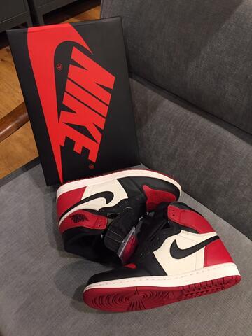 Nike Air Jordan 1 BredToe