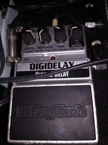 Digitech Digidelay. Karakter delay ok.