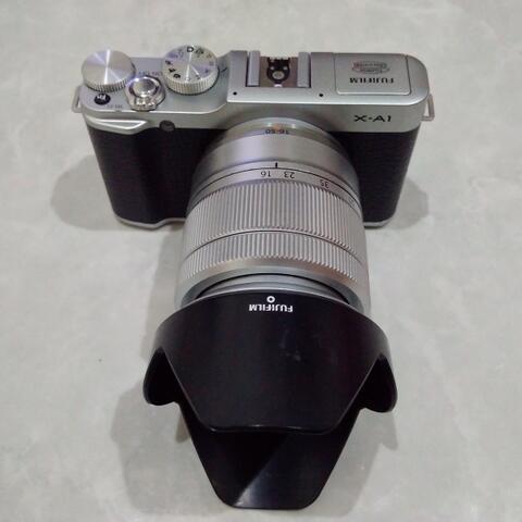 [CAKIM] WTS Fuji Fujifilm X-A1 kit 16-50mm OIS mulus bonus baterai dan strap