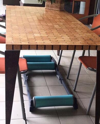 Meja batok kelapa