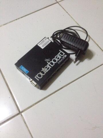 Router Mikrotik 450G