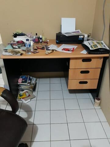 Meja Kantor/Meja Belajar
