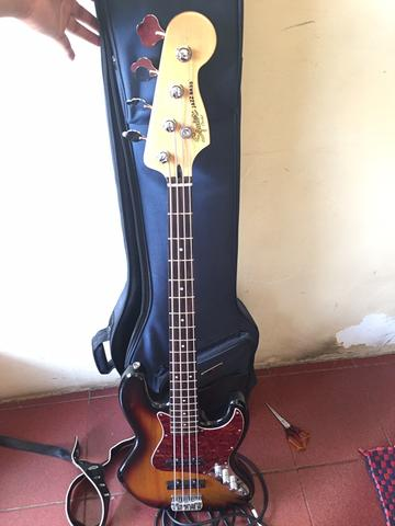 Fender JazzBass Squier 2017 crafted in indonesia