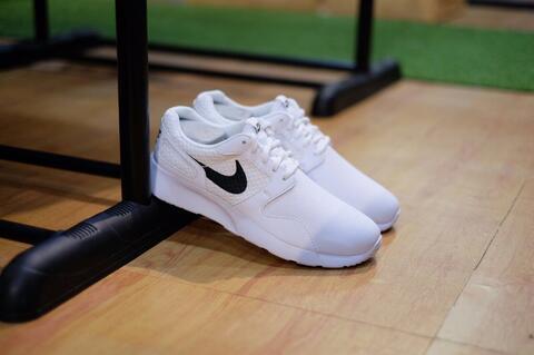Nike Kaishi Run White Black - 100% ORIGINAL GUARANTEE!!