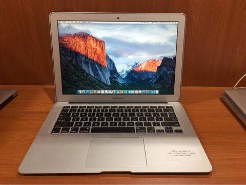 MacBook Air 13 inch Early 2014 SSD 128gb