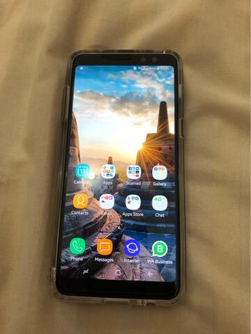 Samsung Galaxy A8 2018 Black sein like new..!!