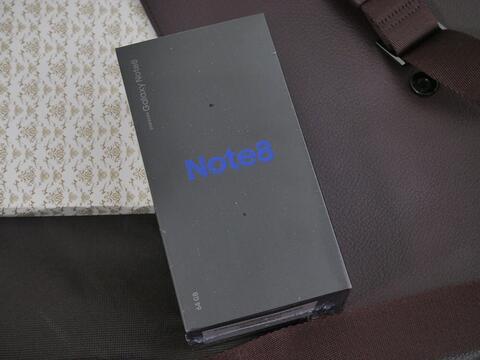 Samsung Note 8 BNIB masih segel & gress!
