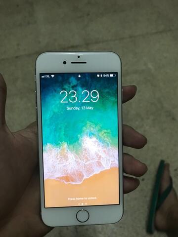 iphone 8 Silver 64 Gb