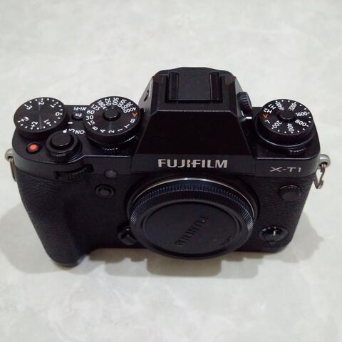 [CAKIM] WTS Fuji Fujifilm X-T1 body only like new garansi januari 2019