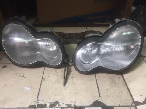 Headlamp Mercy W203 original mulus banget