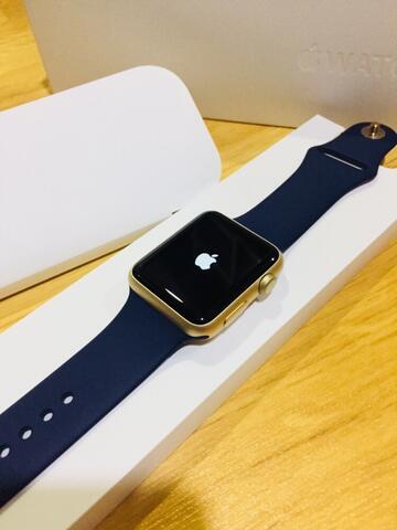 Apple watch 42mm GOLD LIKE NEW
