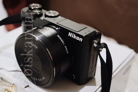 Nikon J5 - Black