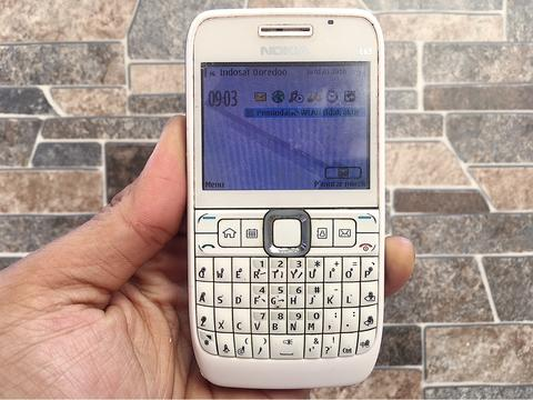 Nokia E63 White Normal Hp Jadul Klasik Kamera Qwerty Handphone Nostalgia