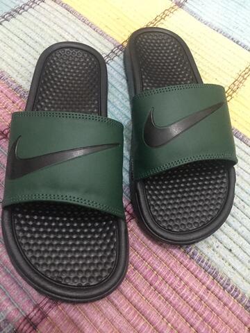 Sandal Nike Benassi Green Army Original size 44