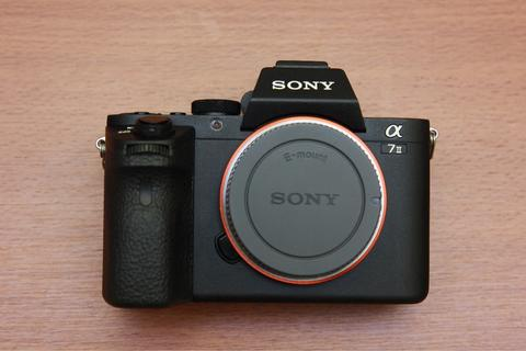 Sony A7 Mark II Body Only Mulus Fullset Ex Sony Indo