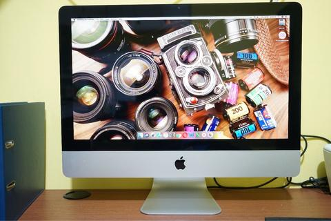 "iMac 21.5"" Late Core 2 duo Ram 4gb Hd 500Gb Mulus Sekali"
