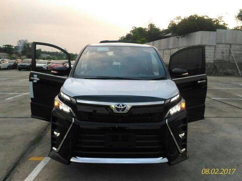 Toyota Voxi Ready Stock Juni juli
