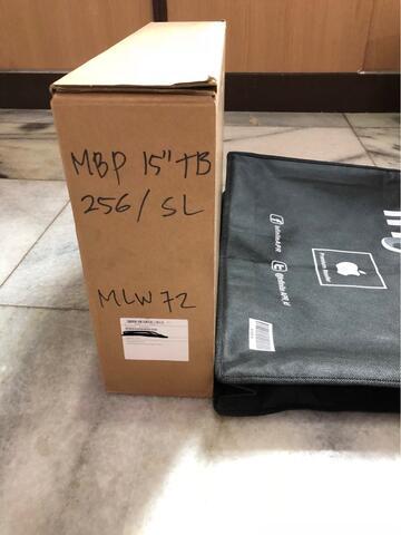 Macbook Pro 15 inch. Touchbar. Brand New. Segel. Garansi Resmi