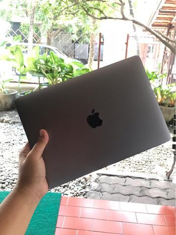 """Jual Macbook 12"""" 2017 256 GB (MNYF2ID)"""