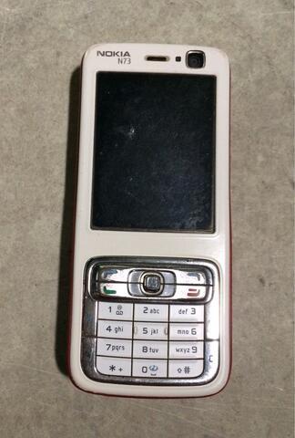 Handphone Nokia N73 merah putih