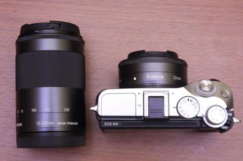 Canon Eos M6 Lensa 22mm f2 STM dan 55-200 IS STM Mulus Fullset