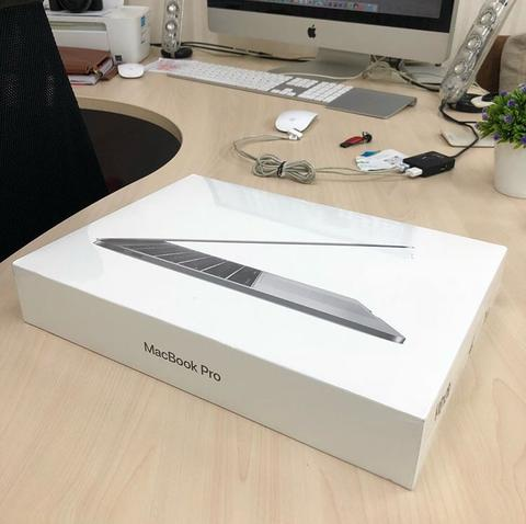 "UNTUNG STORE >> Macbook Pro Retina 2017 MPXQ2 13"" i5 2,3Ghz 