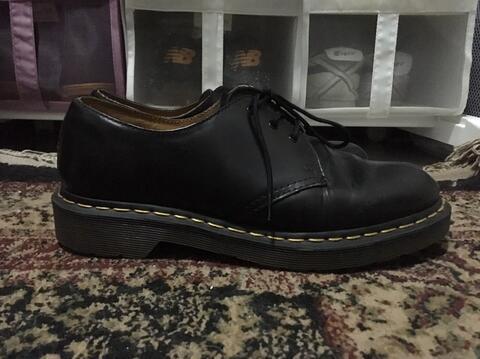docmart dr martens black original size 7.5 / 40
