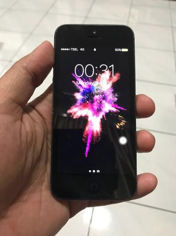 Jual Iphone 5 16gb Black ex garansi ibox (pemakaian sendiri) murahh