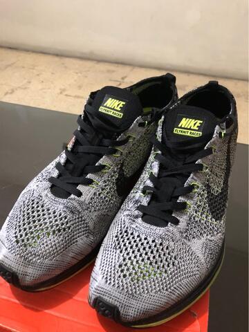 Nike Flyknit Racer Oreo Volt Original