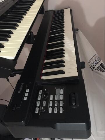 Roland RD 64