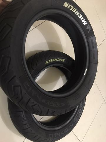 Ban Vespa Michelin Ring 12